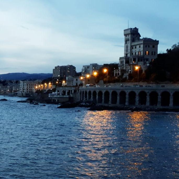 Paesaggio marino a Genova d'inverno